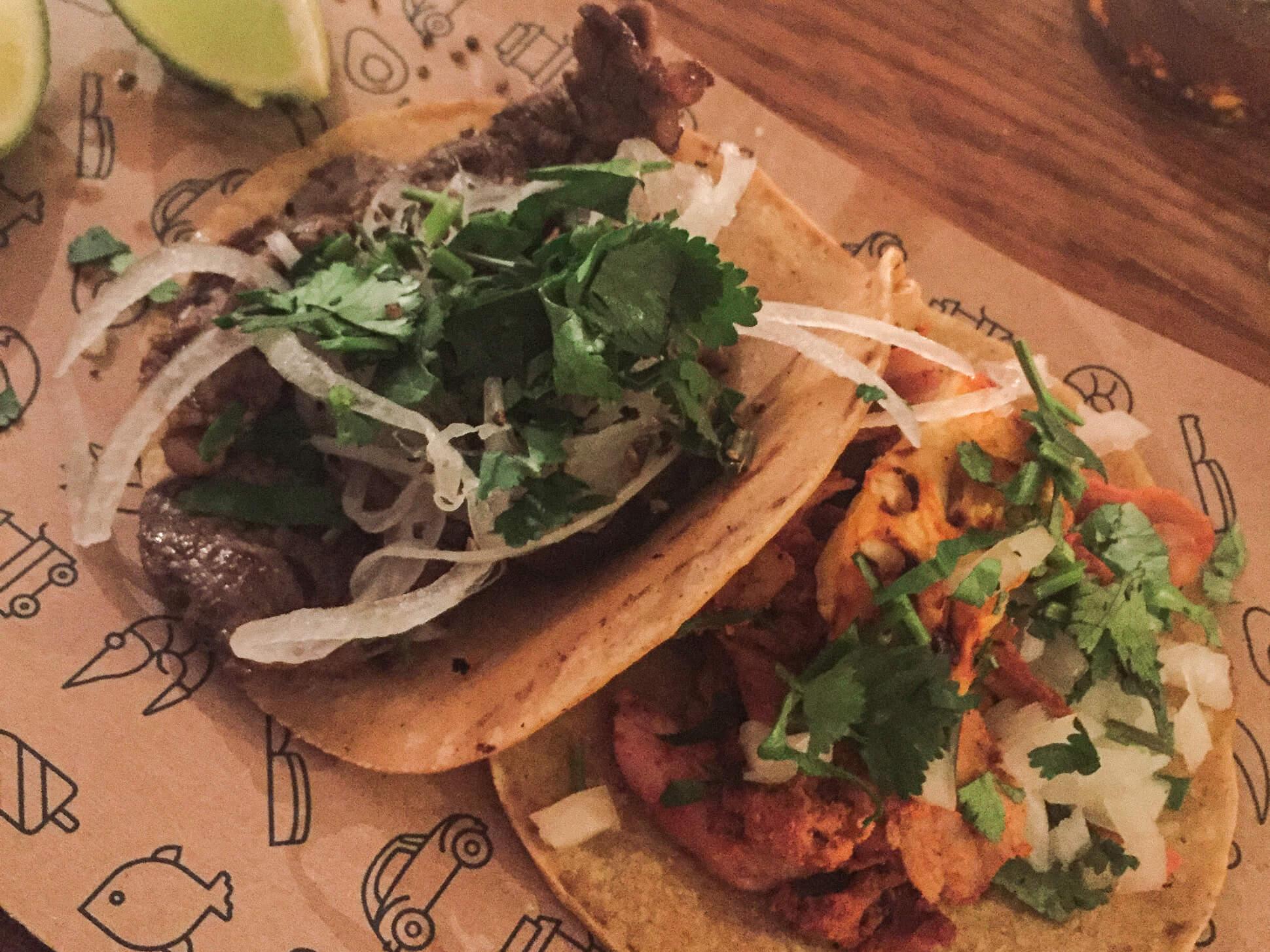 Mexiko Straße - mexikanisch essen Hamburg - Tacos